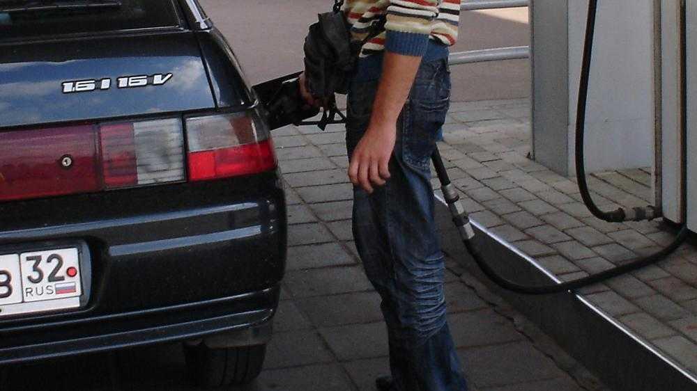 Брянская полиция выявила АЗС с опасным бензином