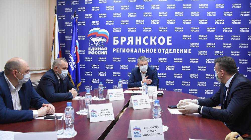 «Единая Россия» предложила комплекс мер для поддержки врачей