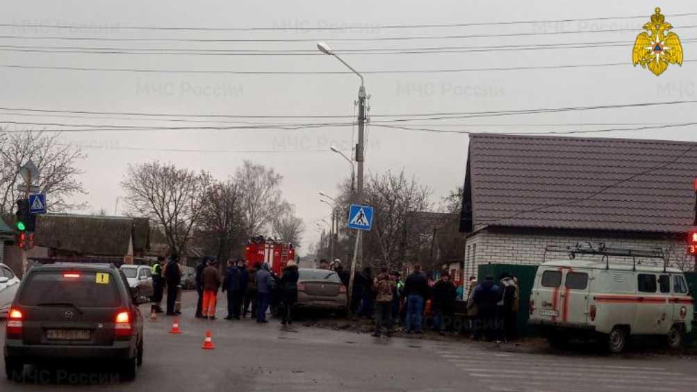 В Клинцах в ДТП с 2 легковушками пострадали несколько человек