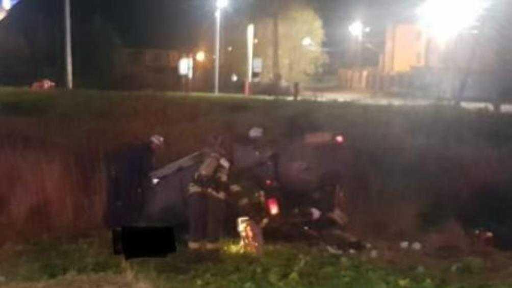 В Брянске погиб лишённый «прав» водитель перевернувшейся иномарки