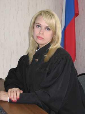Угодившая в скандал брянская судья пойдет на повышение