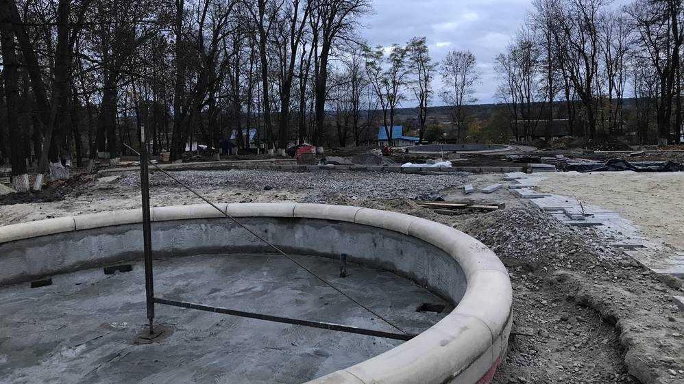 В бывшей усадьбе Михаила Романова в Локте построили чаши фонтанов