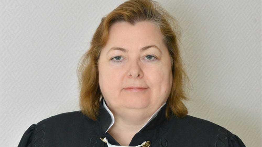 Прекращены полномочия погибшей от коронавируса брянской судьи