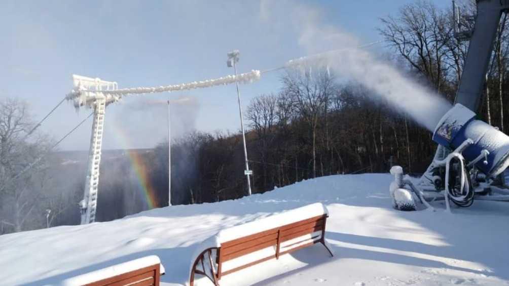 В Брянске сноубордистов и лыжников пригласили в «Лапландию»