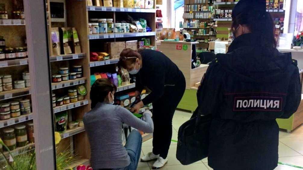 В магазинах Володарского района Брянска не обнаружили людей без масок