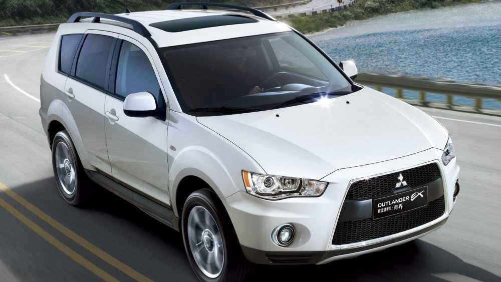 Mitsubishi Outlander: 7 мест в придачу к остальным достоинствам