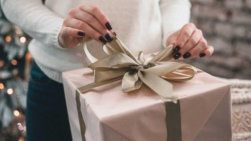 Россияне назвали худшие подарки на Новый год
