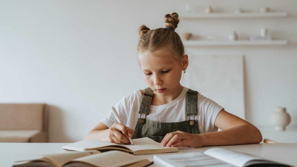 Брянским школам запретили мучить родителей справками