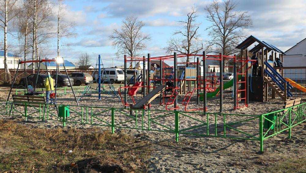 В Большом Полпине появилась детская площадка