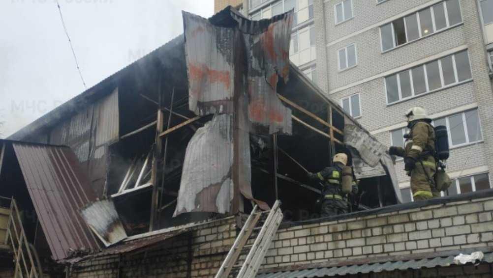 В Брянске на улице Фокина сгорело ателье