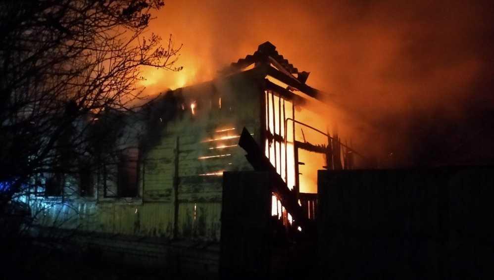 В Брянской области за три дня при пожарах в домах погибли семь человек