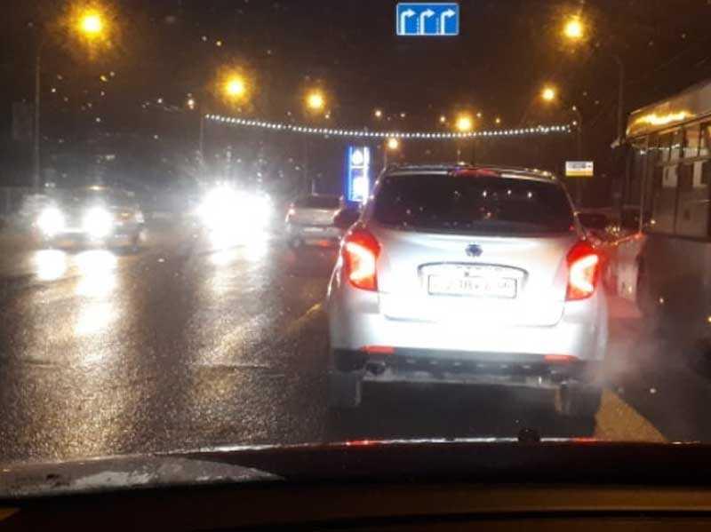 В Брянске на Черном мосту образовался большой автомобильный затор
