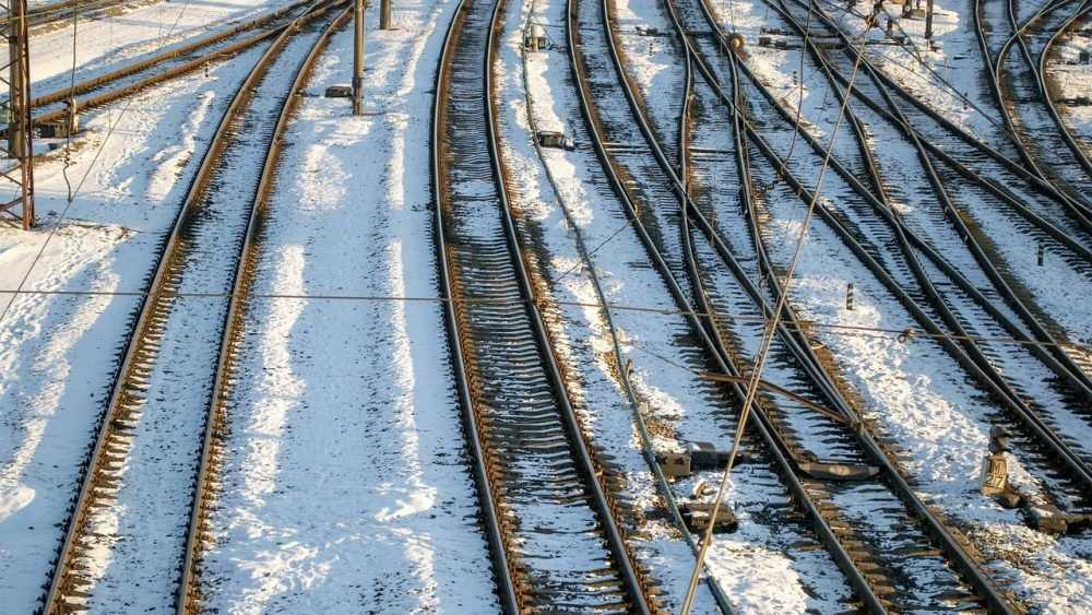 Спецтехника для борьбы со снегом и льдом на железной дороге в Брянской области полностью подготовлена к зиме