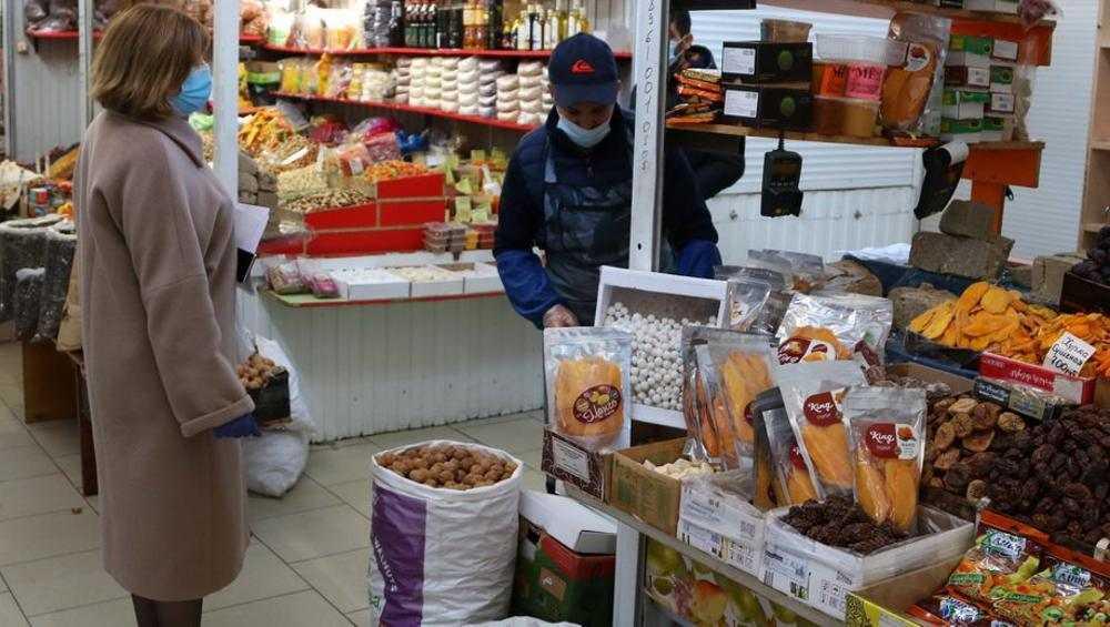 За выходные дни в Брянске поймали четверых продавцов без масок
