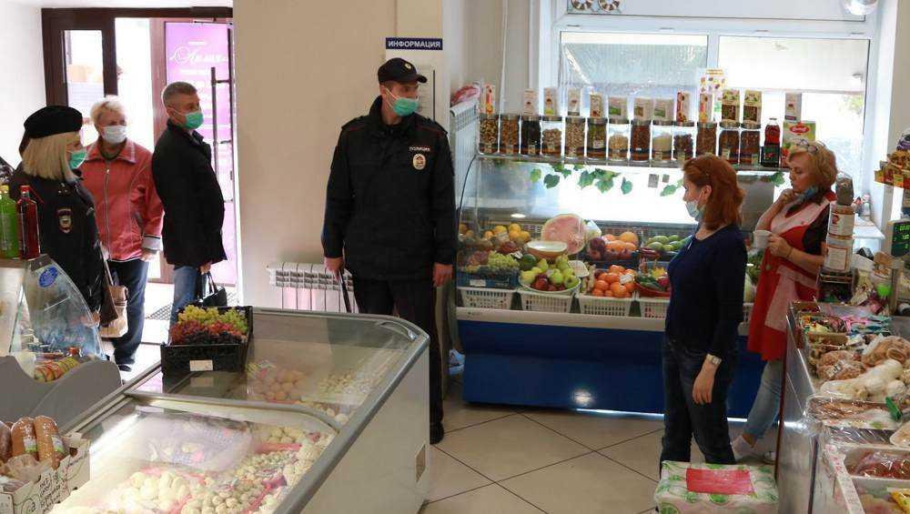 В Брянске масочный режим нарушил сотрудник кофейни «Винтаж»