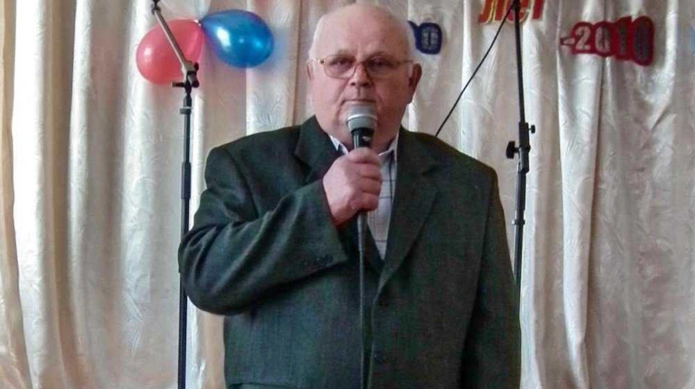 В Новозыбкове скончался бывший директор школы № 1 Николай Зенченко