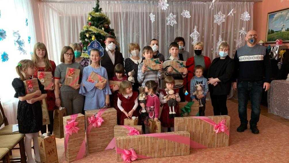 Волшебники из «Газпрома» подарили новогодний праздник брянским детям