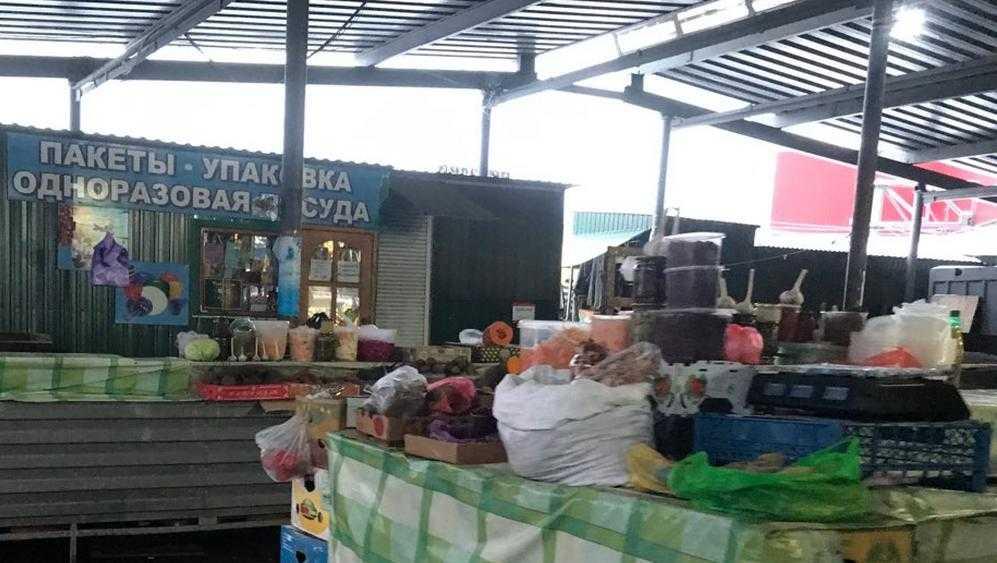 Продавцы брянского рынка пожаловались на тяжелые условия
