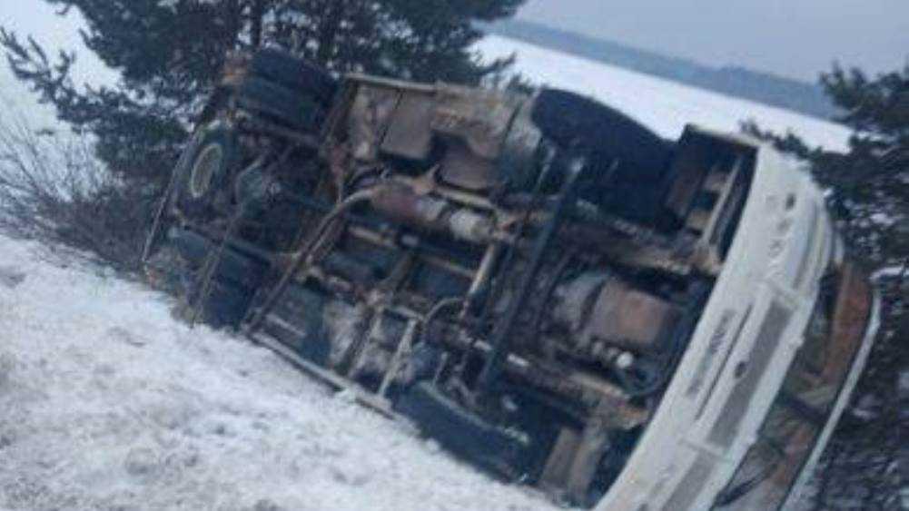 В Навлинском районе перевернулся автобус – есть пострадавшие
