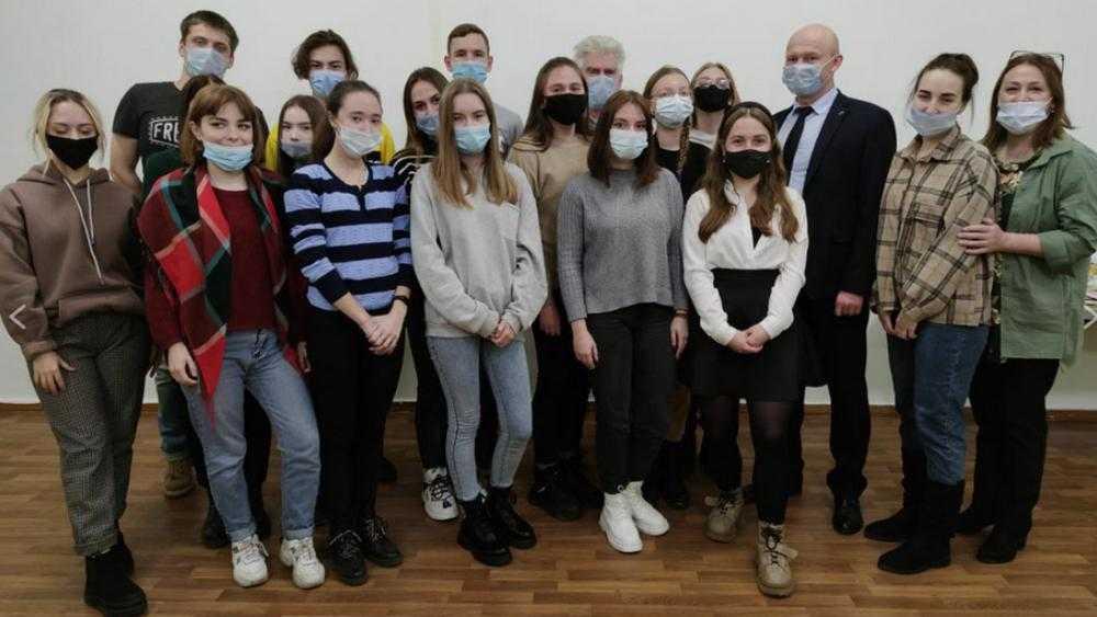 Заместитель брянского губернатора встретился с бескорыстными «Радимичами»