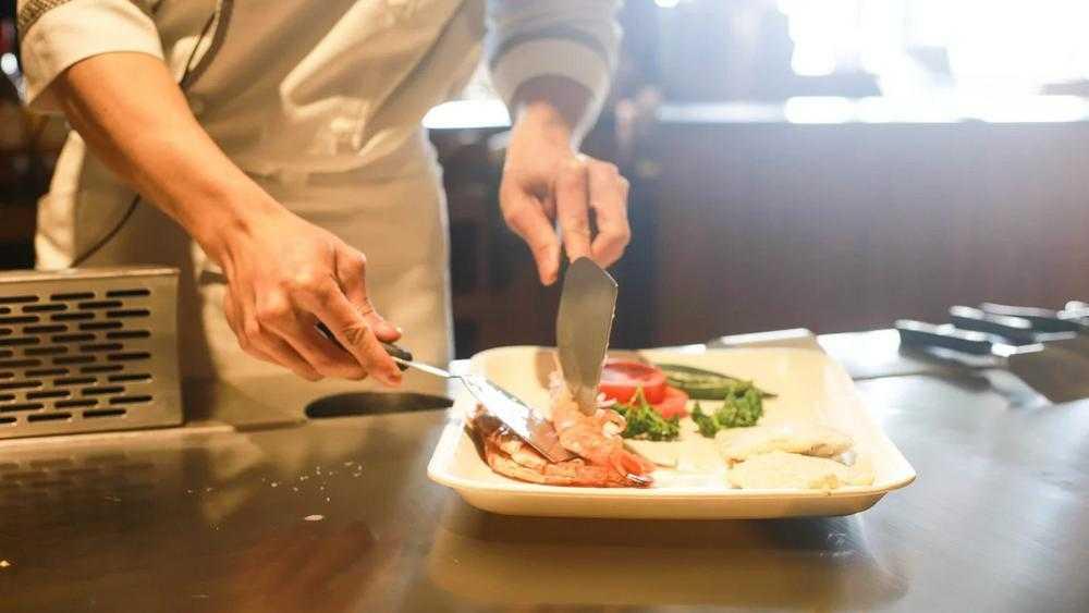 Брянские парадоксы: пандемия и 2000 съеденных в «Фабрике» блюд
