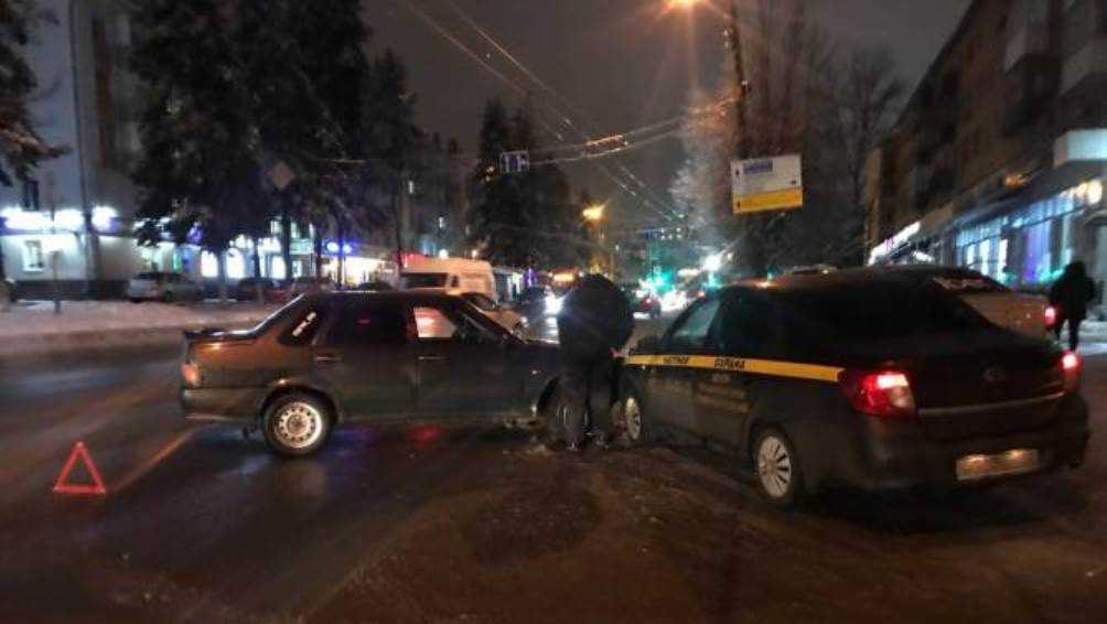 В Брянске обратились к очевидцам ДТП с участием автомобиля охраны