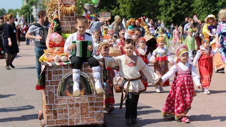 Брянцам пояснили, как получить «путинские» 5000 рублей к Новому году