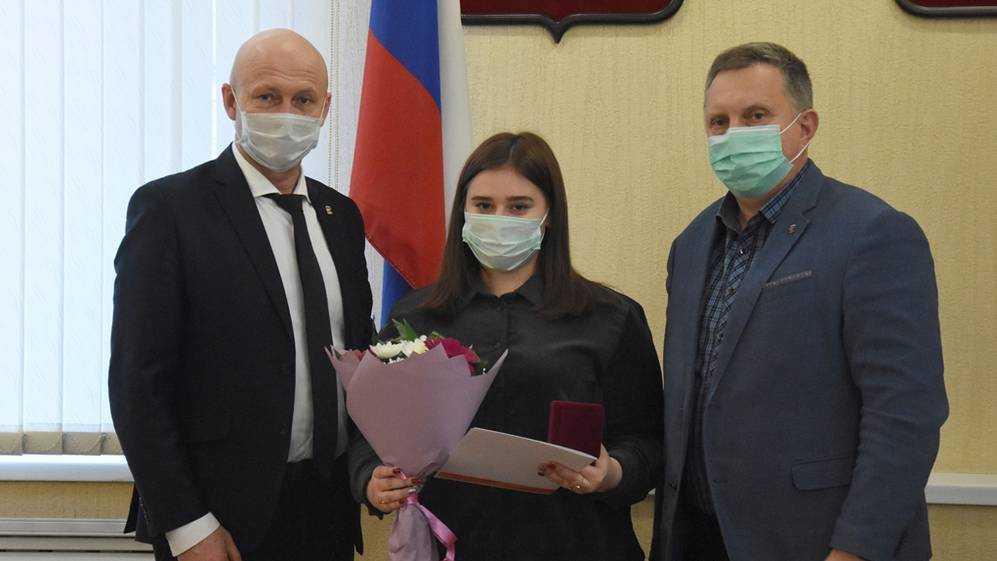 В «Единой России» вручили награды брянским волонтерам