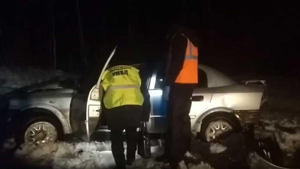 Под Навлей в страшном ДТП погиб человек, двое пострадали