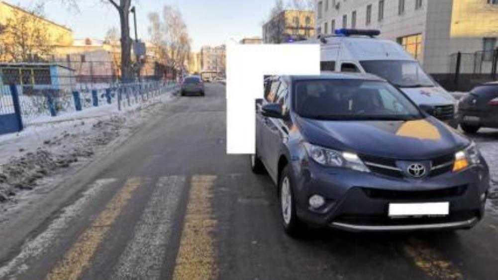 В Брянске автомобилистка сбила выбежавшую на дорогу 9-летнюю девочку
