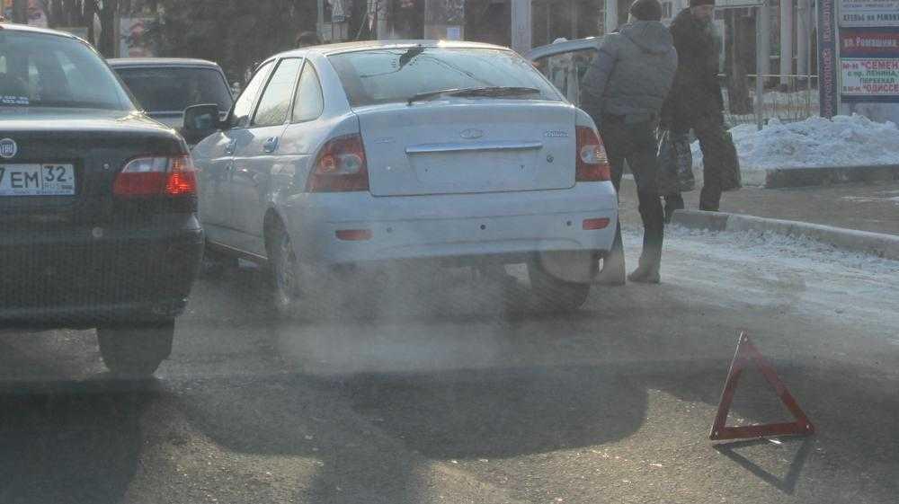 В Брянске в субботу произошло множество похожих аварий