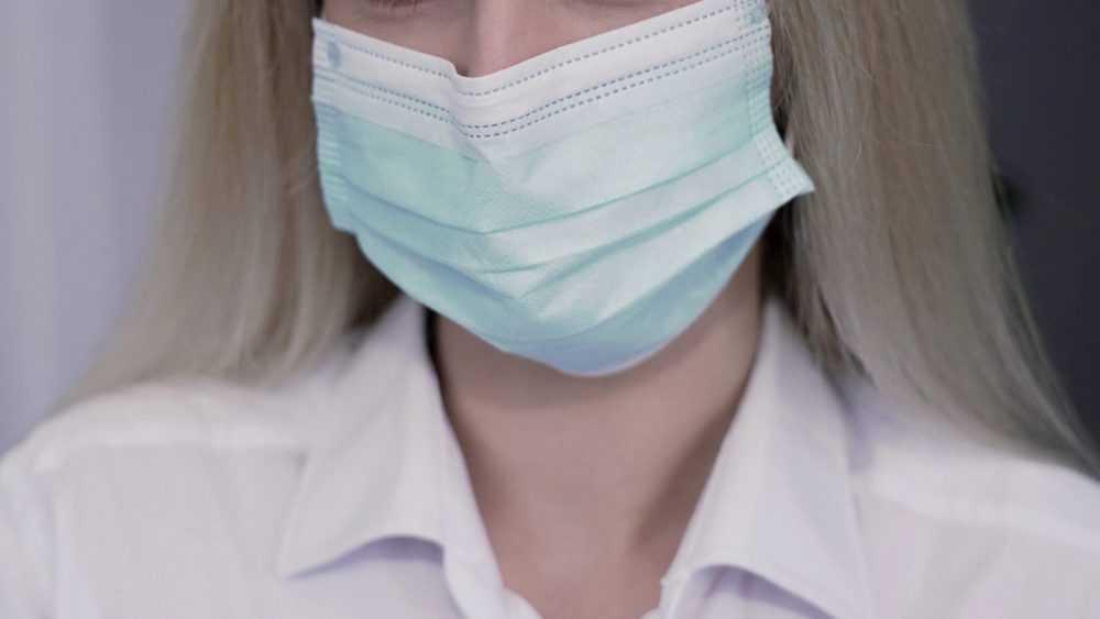 Стало известно, кому следует отказаться от ношения маски