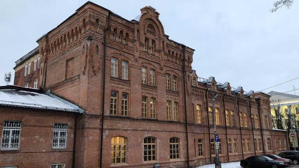 В Брянске реконструируют памятник архитектуры конца XIX века на бульваре Гагарина
