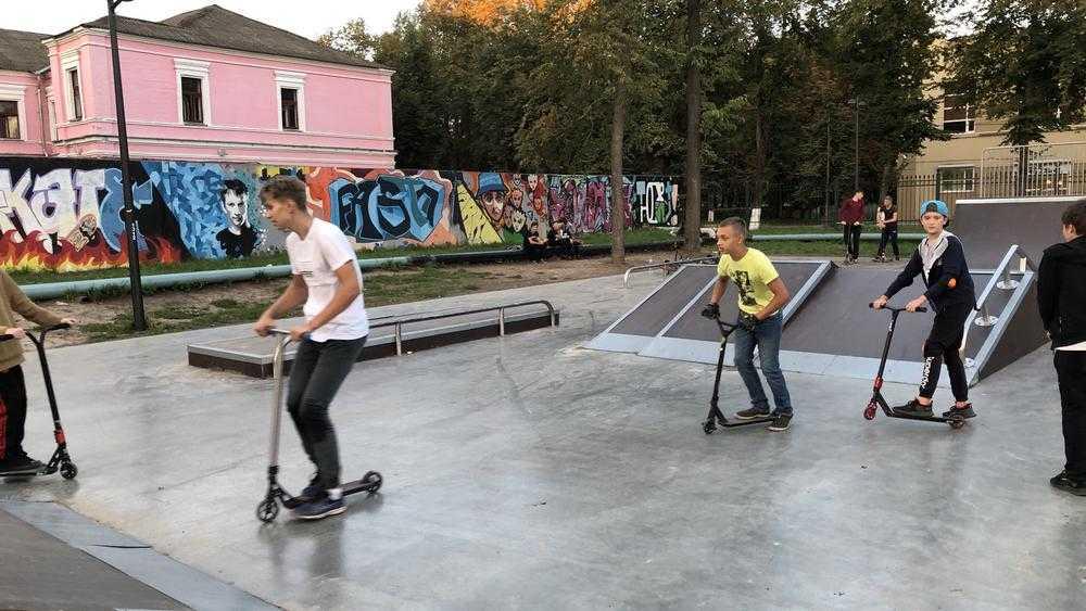 В Брянске затеяли двусмысленный «конкурс красоты для мальчиков»