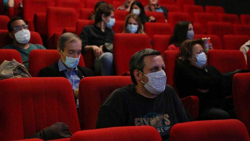 В Брянске из-за коронавируса еще больше ограничили работу кинотеатров