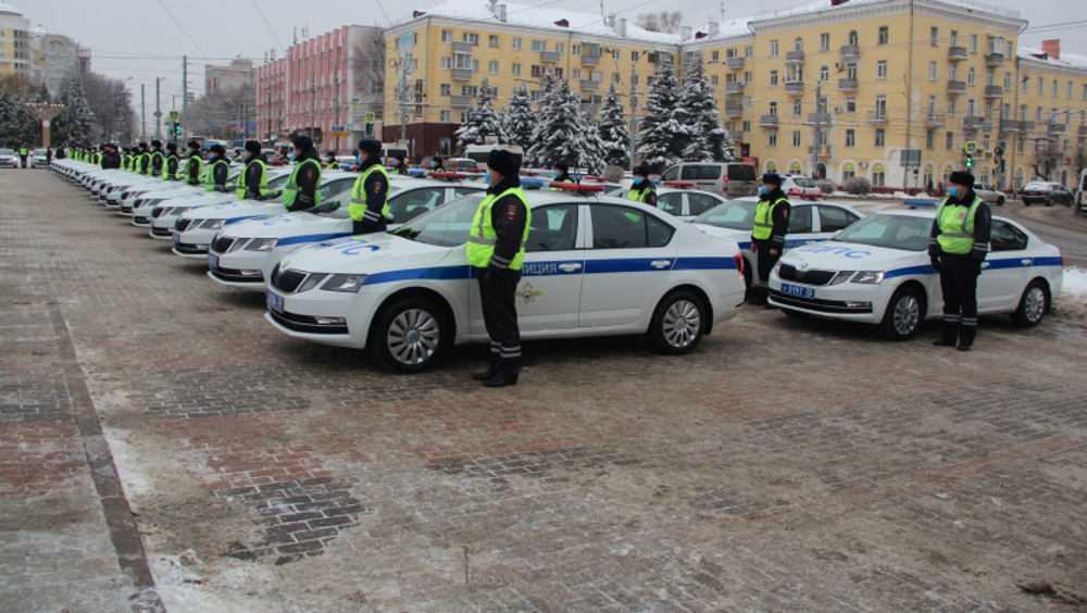 Брянские автоинспекторы получили 43 автомобиля «Шкода» и 4 «Гранты»