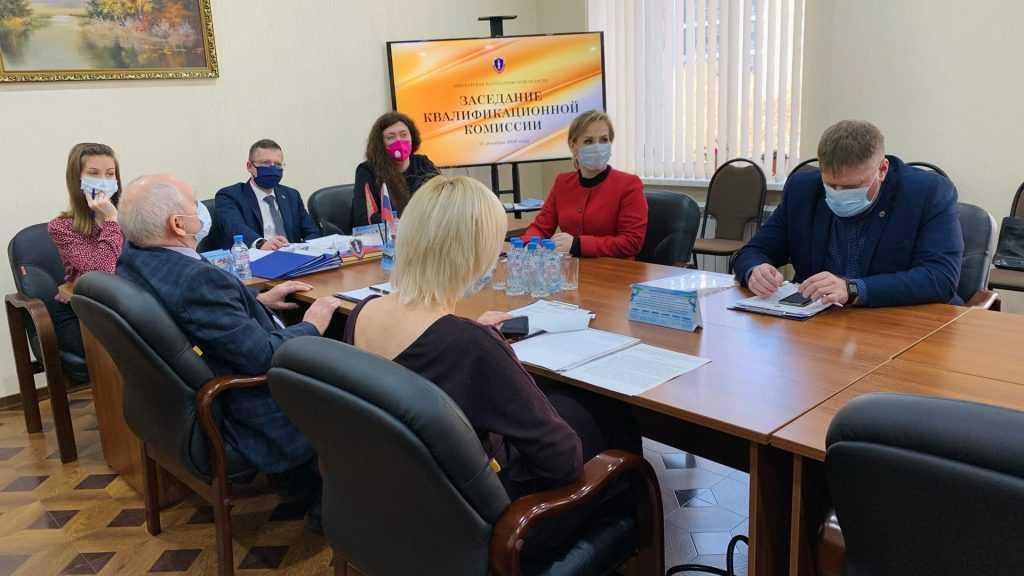 Брянских адвокатов наказали за ненадлежащую работу