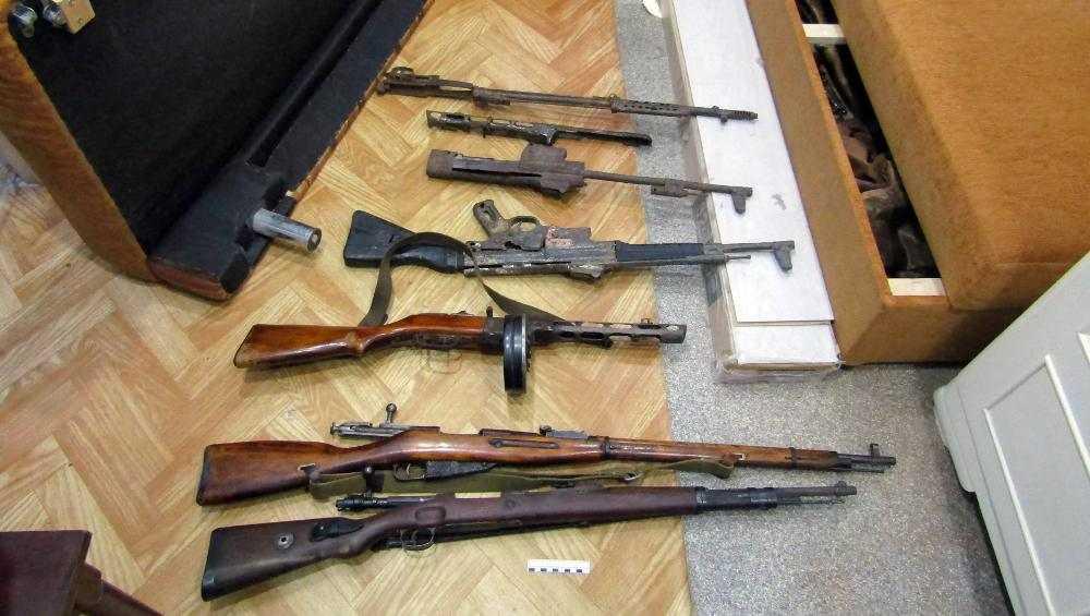 В Брянской области задержали подпольных оружейников