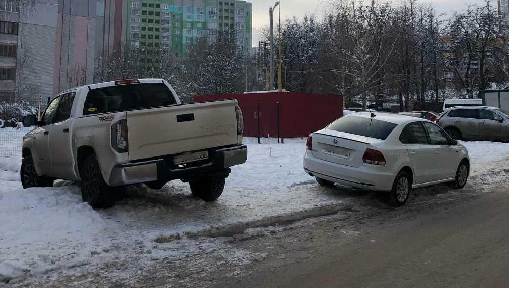 Известного брянского спортсмена обвинили в неправильной парковке