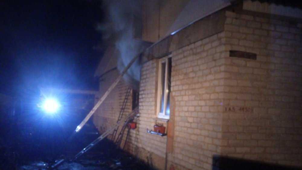 В Клинцовском районе при пожаре в доме пострадали два человека
