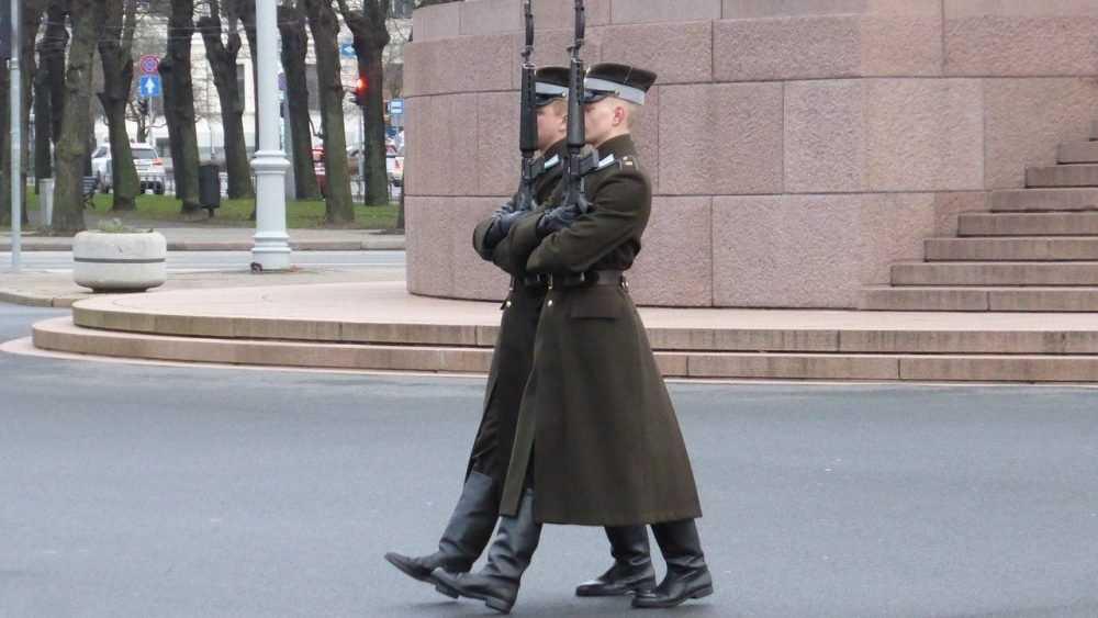 Латвия: русским затыкают рот