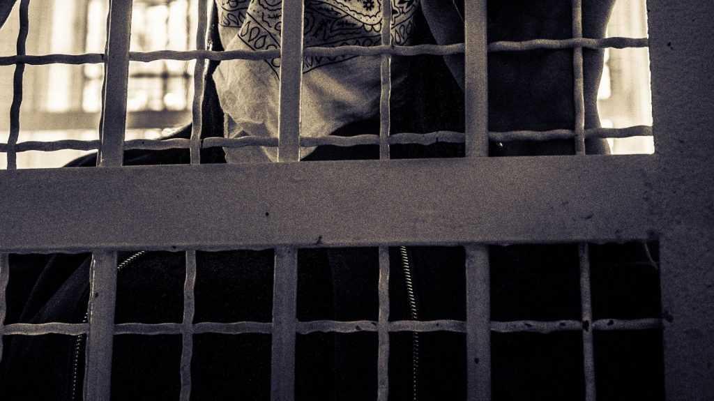 Журналисты рассказали жуткую историю о брянском узнике-мигранте