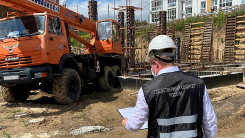 В Брянске за травмирование строителя осудят машиниста автокрана