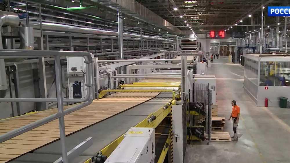 В Сураже построят за 10 миллиардов рублей еще один картонный завод