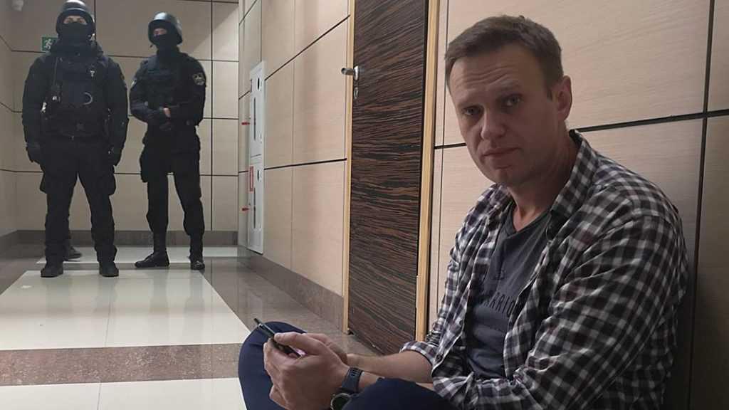 Навальный пообещал вернуться в Россию