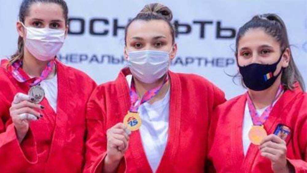 Брянская чемпионка Елена Зайкина завоевала Кубок мира по самбо