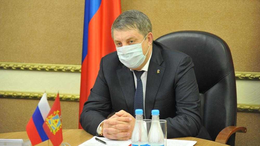Губернатор Богомаз приказал проверить жалобы брянцев на дорогие маски