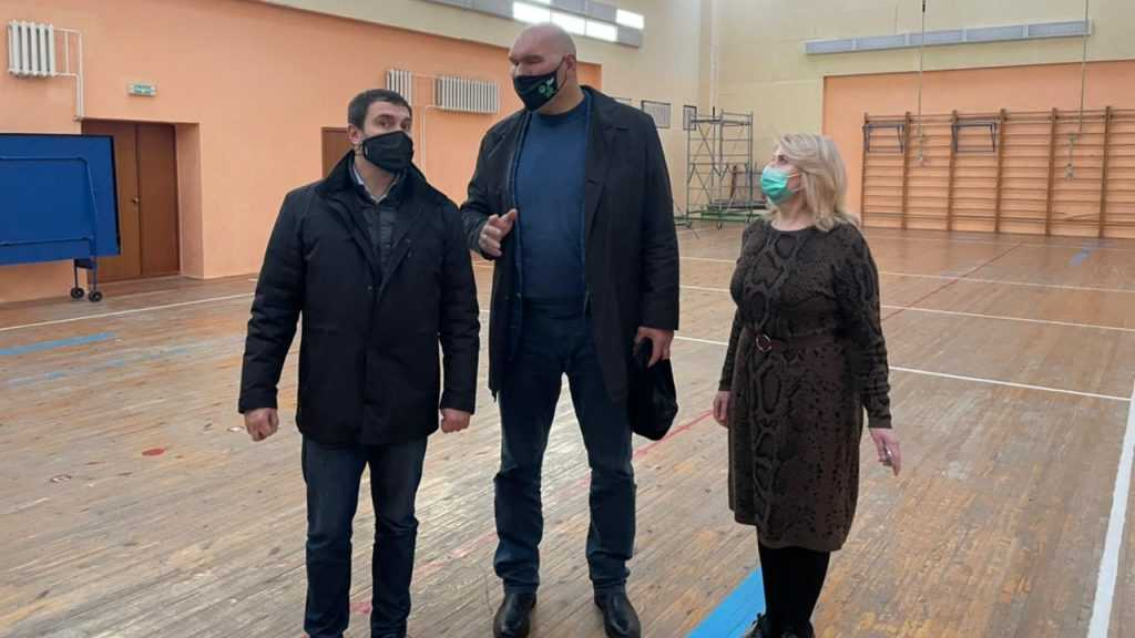 В Навле появится секция бокса — этот и другие вопросы обсудили местные жители в ходе встречи с Николаем Валуевым