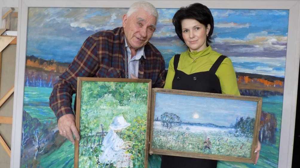 Художник Василий Лаворько подарил стародубскому музею 157 картин