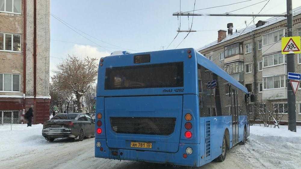 У водителей брянских автобусов «прорезались рога» маршрутчиков
